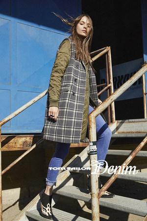 sevda_albers_fashion_985.jpg.5000x1200_q