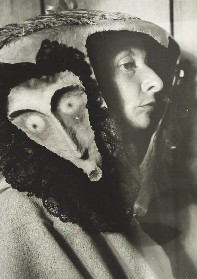 Kati Horna Varo Remedios 1957
