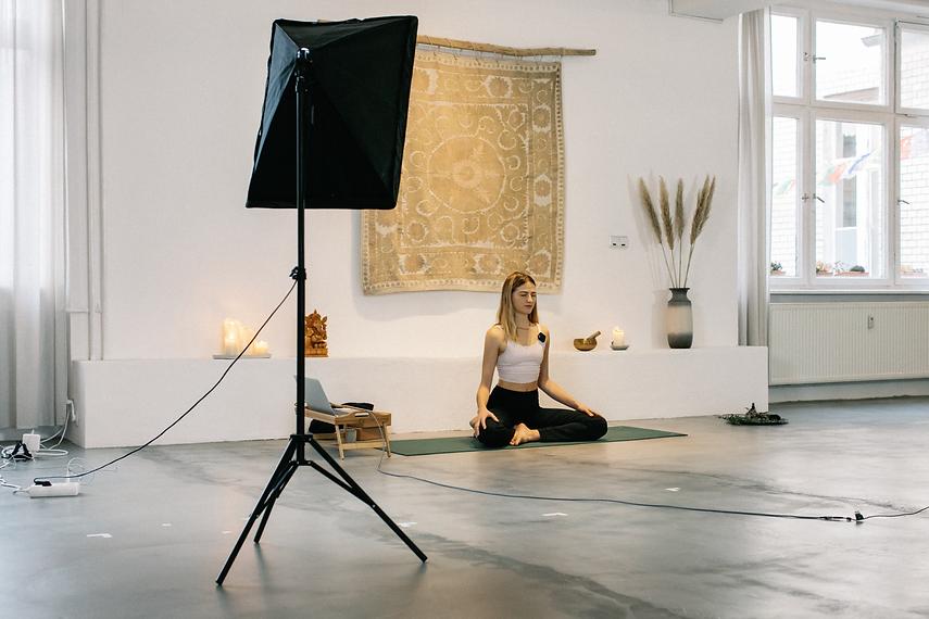 Online-Yoga.jpg