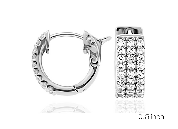 """All Day Hugs 0.5"""" in white Gold"""