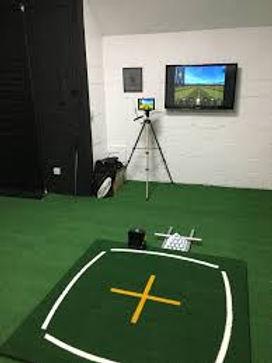 indoor golf.jpg