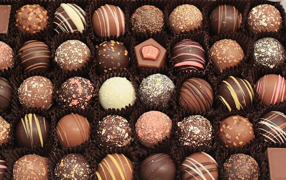Large Truffle Gift Box (40 Pieces)