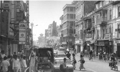 kathmandu_street_2-e1430696503226