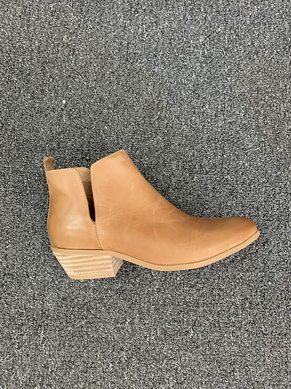 Tan side split boot