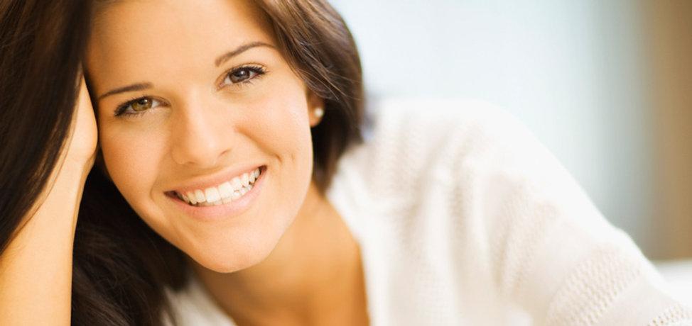 Brunette sonriente 2