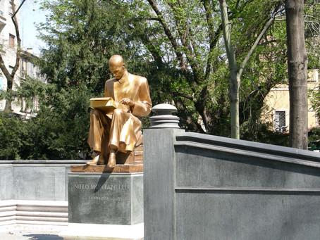Le statue in tribunale: chi potrà continuare a essere onorato?
