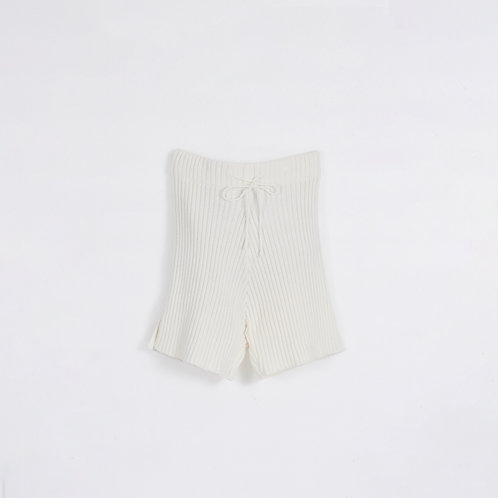 CREAM FITTED KNIT SHORTS