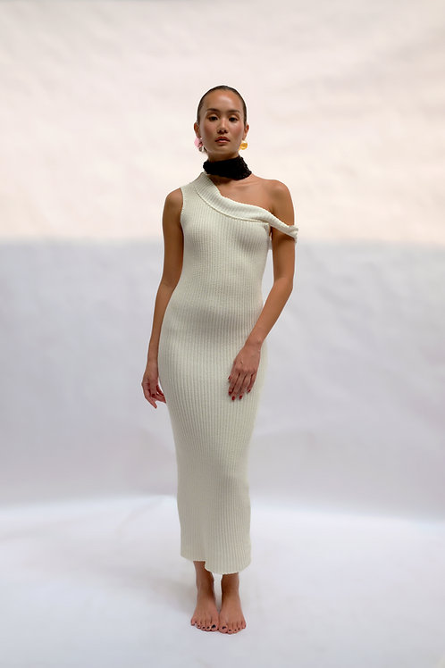 CREAM FITTED KNIT DRESS