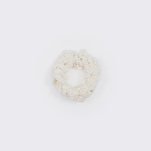 WHITE HAND-CROCHETED COLLAR
