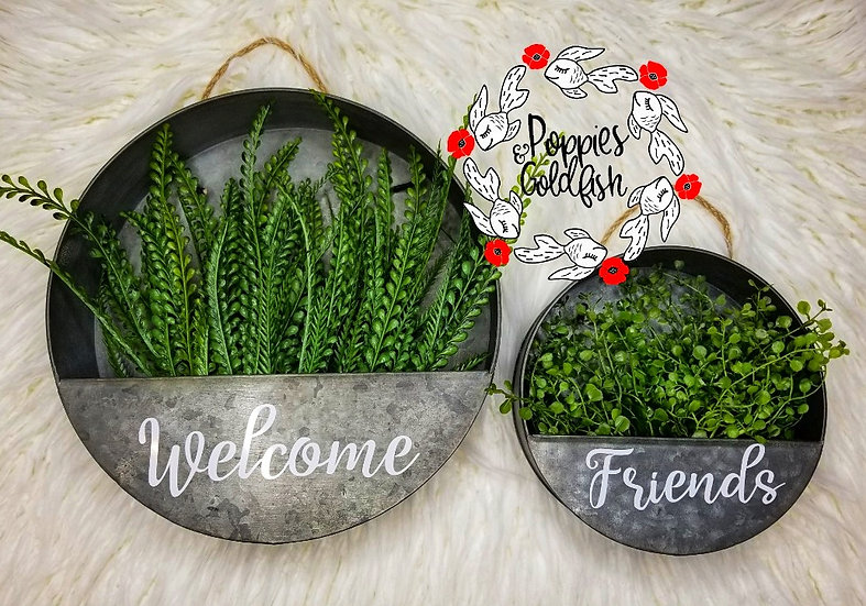 Home Decor - Welcome Friends