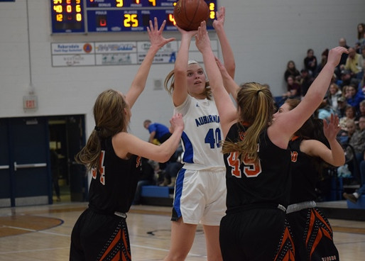 AUBURNDALE GIRLS BASKETBALL SHOOTS PAST STRATFORD TO WIN WIAA DIVISION 4 REGIONAL SEMIFINAL