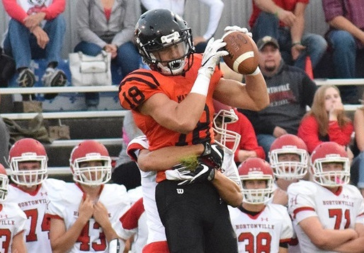 FOOTBALL PREVIEW: MARSHFIELD LOOKS TO CONTINUE WINNING WAYS