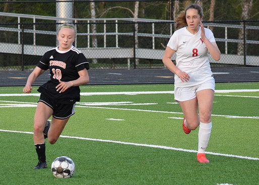 MARSHFIELD GIRLS SOCCER SHUTS OUT SPASH, LOSES AT TOMAH