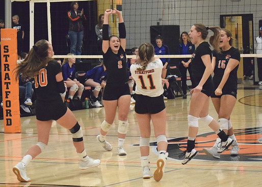 STRATFORD VOLLEYBALL TOPS AUBURNDALE TO CLAIM WIAA DIVISION 3 REGIONAL TITLE