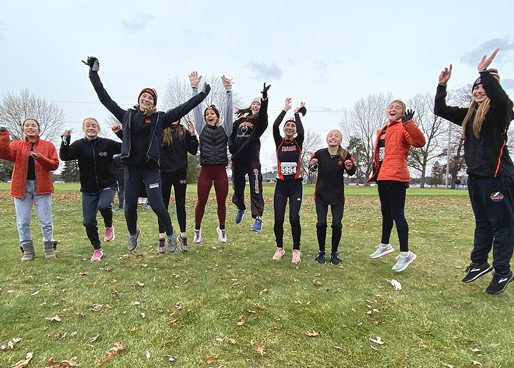 MARSHFIELD GIRLS CROSS COUNTRY QUALIFIES FOR STATE AT WIAA DIV. 1 CHIPPEWA FALLS SECTIONAL