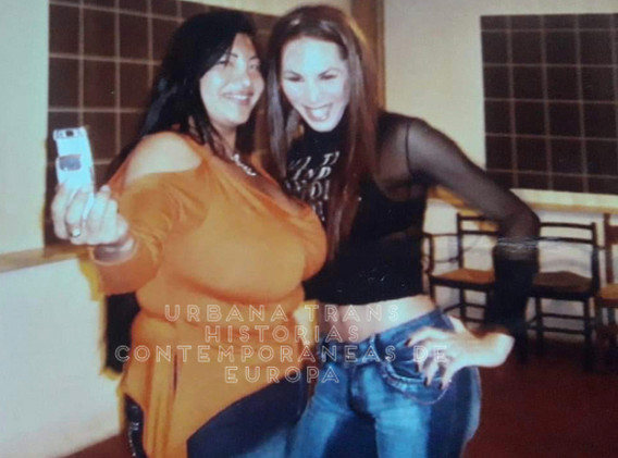 Vanessa Ferril junto a Belen Emilce.
