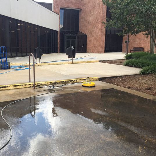 Commercial Pressure Washing Harrisburg