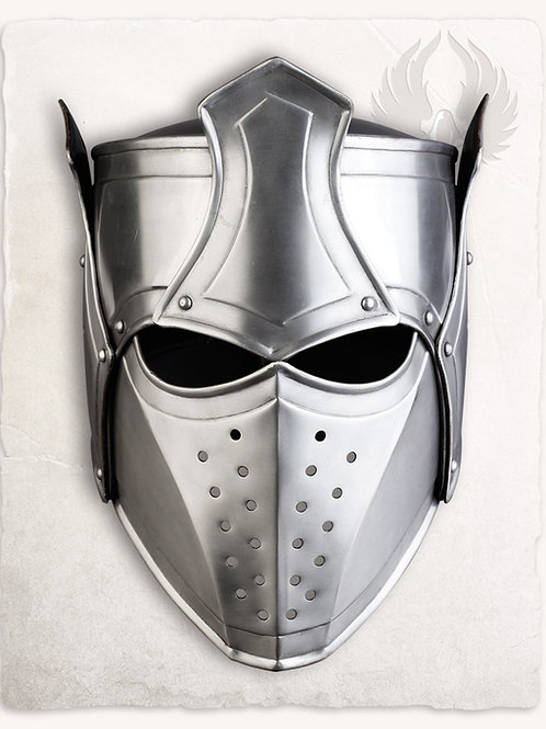 Magnifique casque d'inspiration médiévale