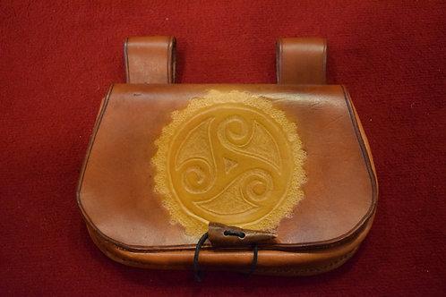 Sacoche en cuir Triskel artisanale