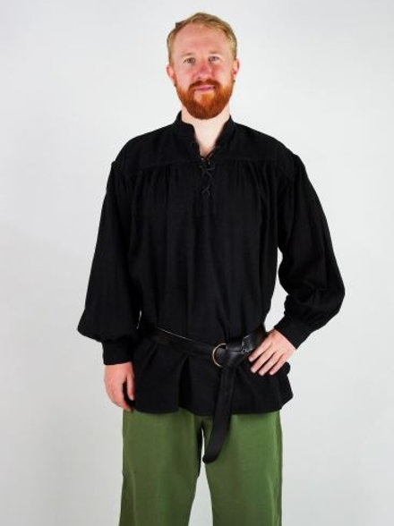 Schwarzes Shirt