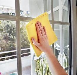 Nettoyage vitre OPTI.jpg
