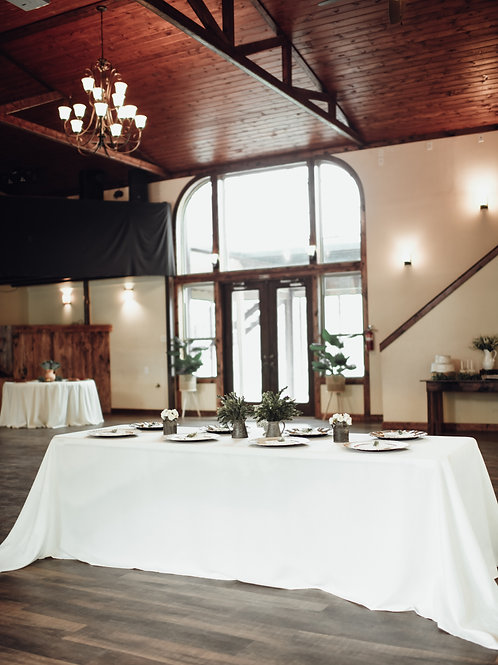 Guest table set up