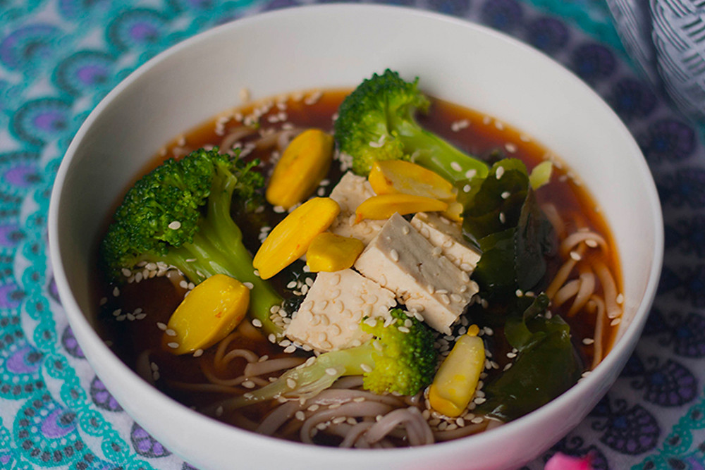 Oriental soup with tofu and seaweed