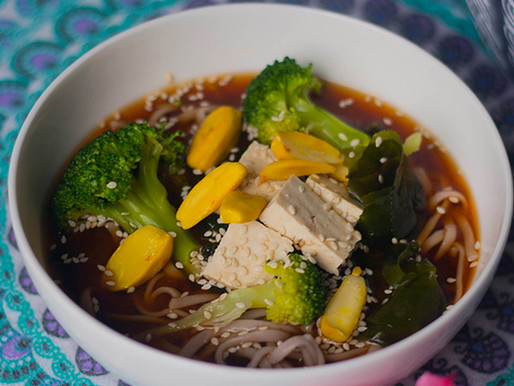 Oriental Soup with Tofu & Wakame
