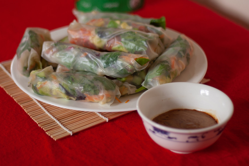 Fresh summer rolls with vegetables and pili nuts
