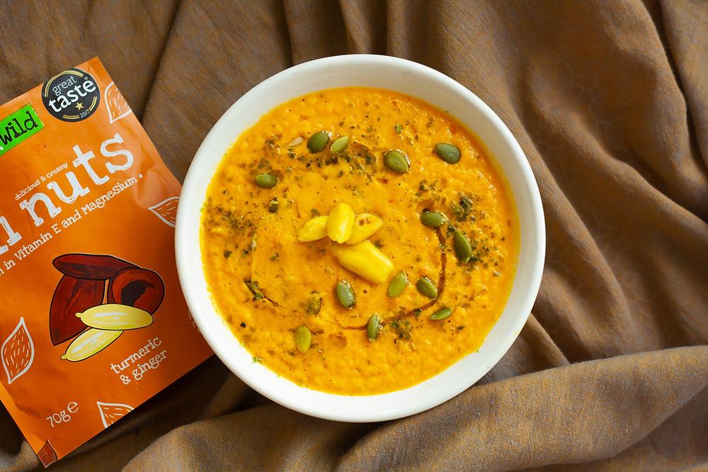 Raw vegan pumkin & turmeric soup
