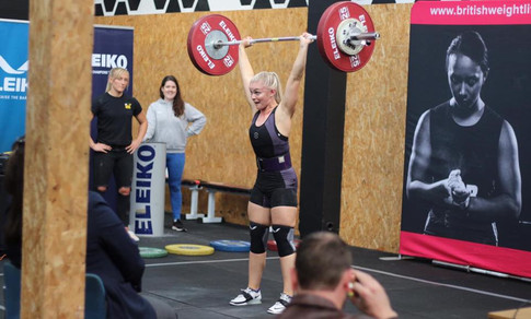 Nicole Coaching Sally at a Weightlifting competition