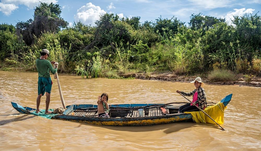 Une famille Cambodgienne en route pour la pèche au abords du lac Tonlé Sap (Sylvain Freulon ©)
