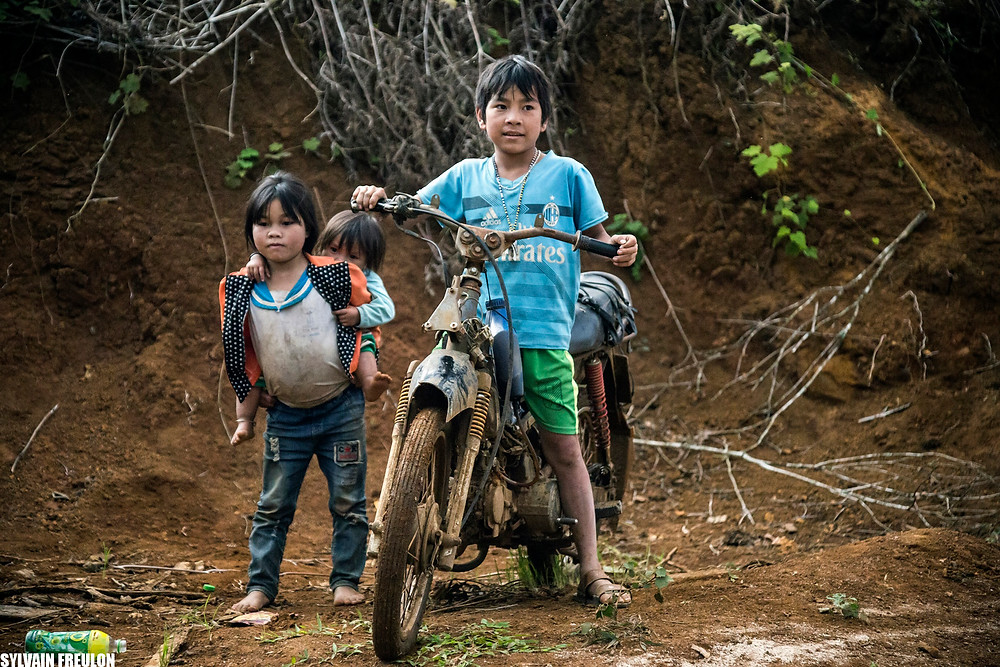 Enfants de l'ethnie Banhar