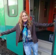 Nossa modelo Dalcy Silva fez a maior viagem de trem do Brasil, usando sua T-shirt Top Loba! Belo Horizonte à Vitória!