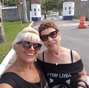 Nossas modelos Vera Mattos e Neci Liberti, fizeram click juntas, na frente do Forte dos Andradas, Guarujá/SP. Sempre belas!