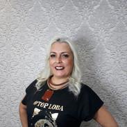 Nossa modelo Angélica Elias fez seu click no Salão Adão Hairdresser's, parceiro do Clube Top Loba!