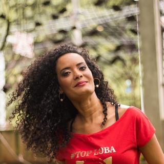 Nossa modelo Lídice Souza de Salvador, garantiu seu click com a t-shirt vermelha Top Loba!