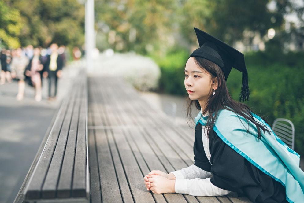 墨尔本毕业照 | 胶片 | 墨大 | 莫纳什 | RMIT | 毕业写真 |  東拾映画 墨尔本最有温度的摄影工作室