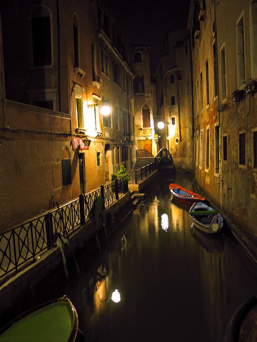 Midnight Alley, Venezia – Photograph