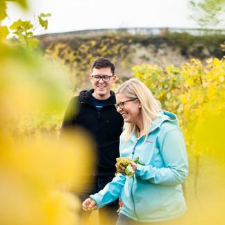Katharina & Robert im Weingarten