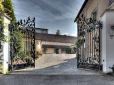 Eingang zum Weinberghof