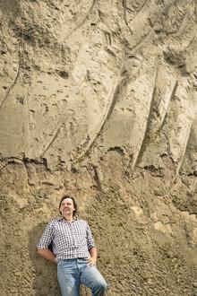 Karl Fritsch vor der Lösswand