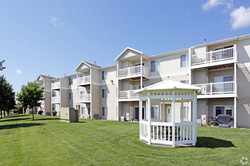 lyncrest-manor-apartment-homes-sioux-falls-sd-building