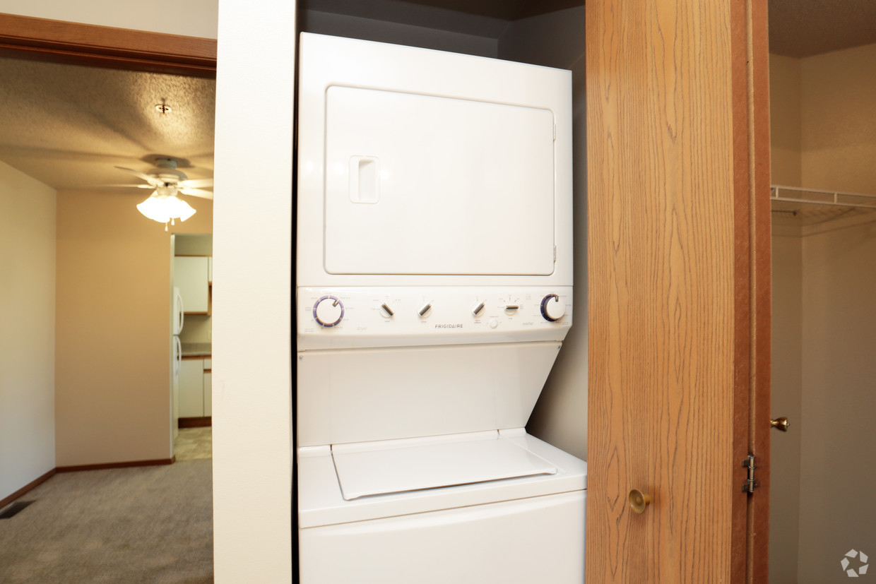lyncrest-manor-apartment-homes-sioux-falls-sd-washer-and-dryer