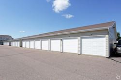 Free garage with unit