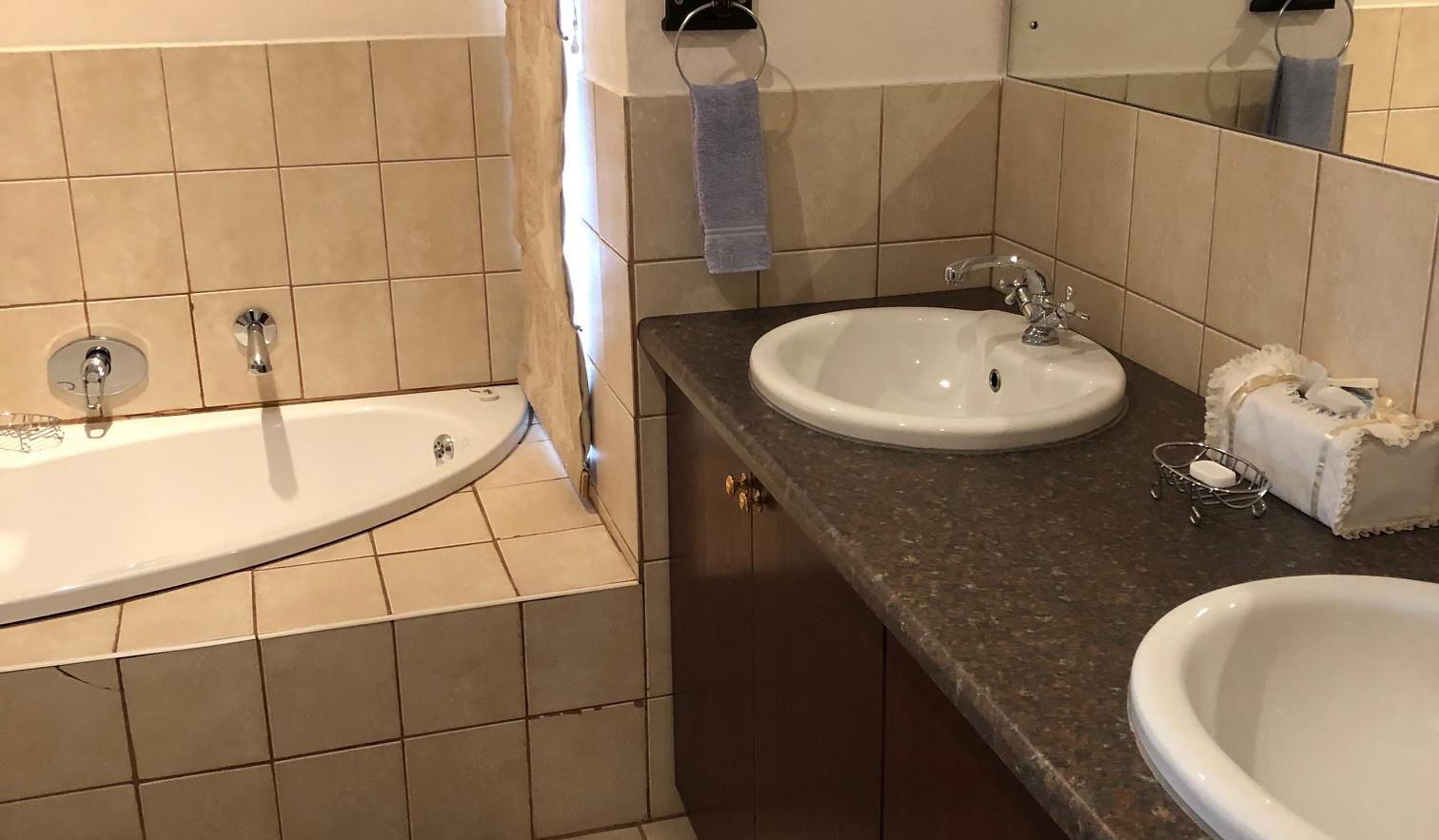Garden Suite 2 Bathroom