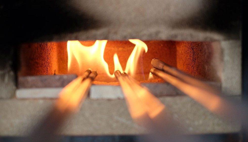 Pipes getting hot for glassmaking