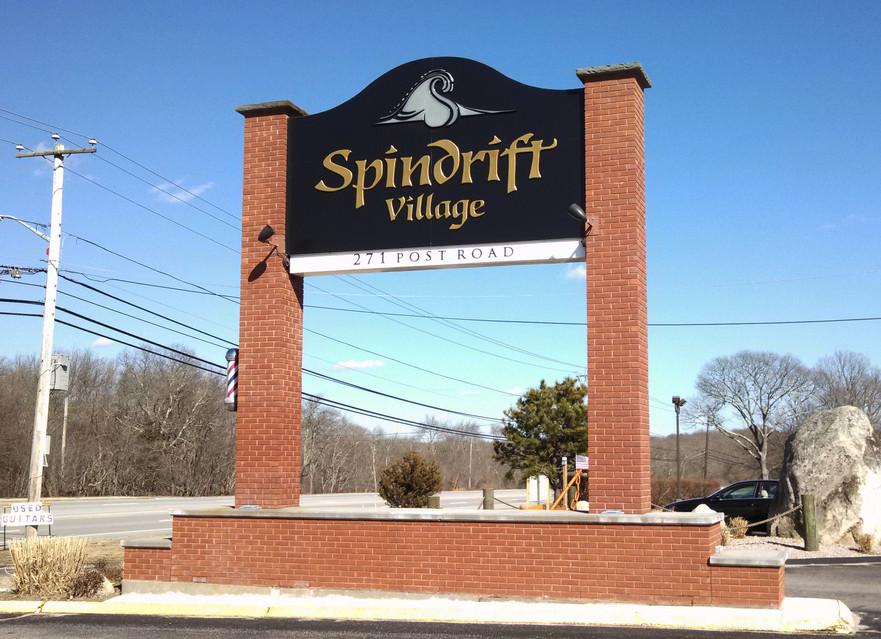 Spindrif Village
