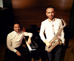 Saxofón y piano