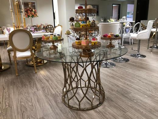Olivia Cake Table